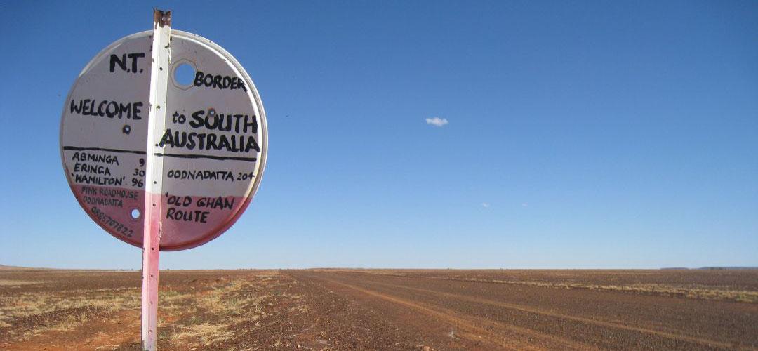 adventure bike tour, road to Finke, Northern Territory