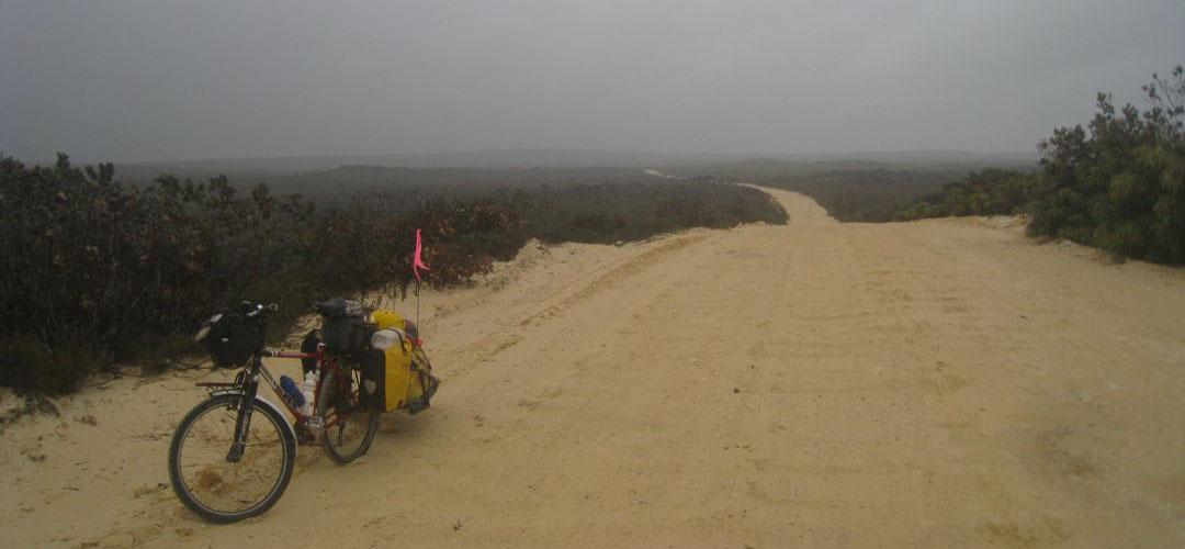 adventure cycling, road to Hopetoun, south coast of Western Australia